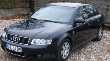 Audi A4 1.6 MPI Czarna Alufelgi Klima Parktronik Serwisowana Opłacona